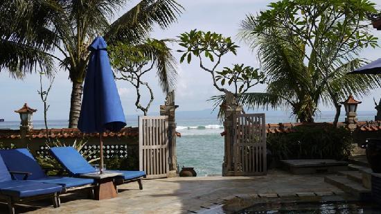 Nusa Indah Bungalows & Villa: Blick aufs Meer
