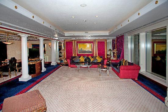 Burj Al Arab Jumeirah: This room is suitable for a gathering.