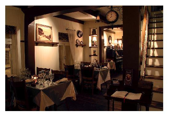 Fondu au chocolat noir picture of restaurant bistro le for Salle a manger quebec