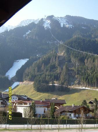 Hotel Andrea: View of the Red Run from the Ahorn to the Lift Station