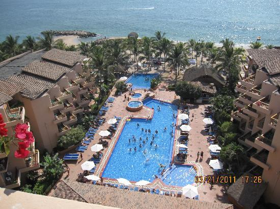 Friendly Vallarta All Inclusive Family Resort: view from the bedroom