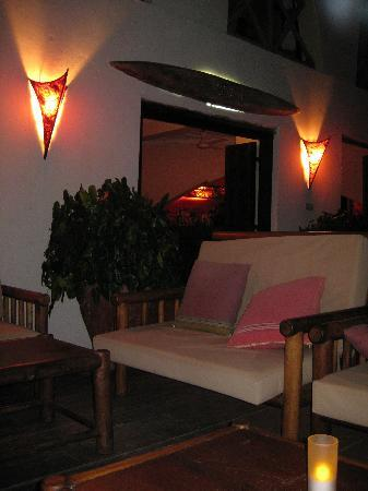 Dhow Inn: evening ambiance