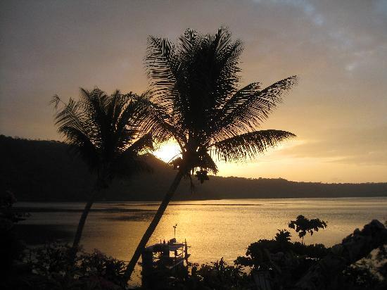 Granada, Nicaragua: sunrise over lago de apoyo