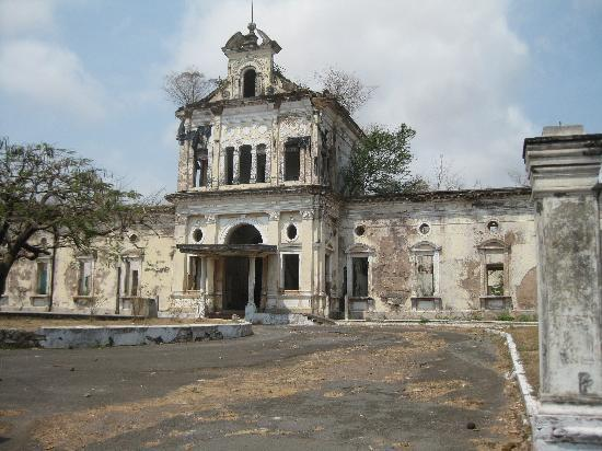 Granada old hospital