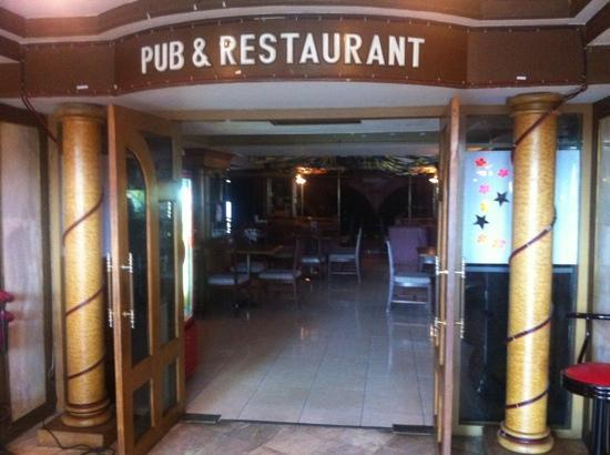 The Florida Hotel Hatyai: pub & restaurant