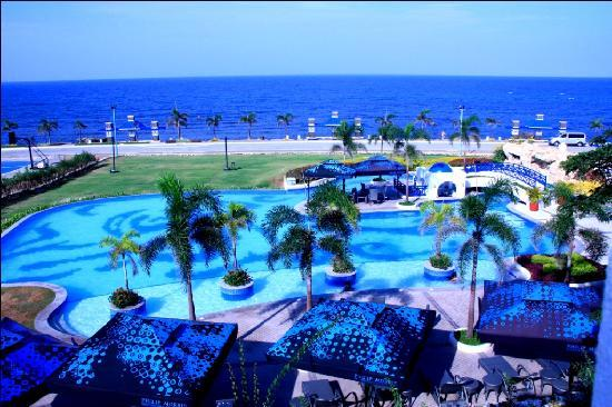 Thunderbird Resorts Poro Point: all shades of blue in this part of the world