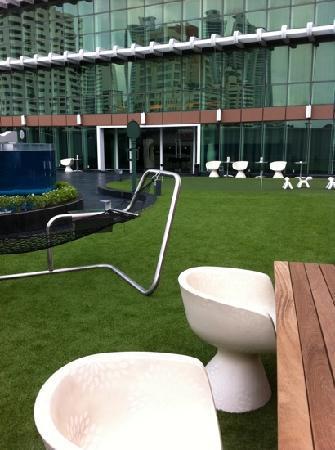 S31 Sukhumvit Hotel: green area