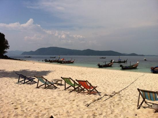 Wichit, Thailand: coral island which can b reached by hiring a long boat