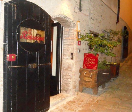 Ristorante Borgo Antico: Borgo Antico: ingresso