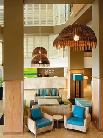 Vibe Hotel Gold Coast - Hotel Lobby