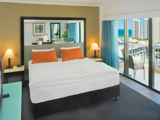 Vibe Hotel Gold Coast - King Ocean View Room