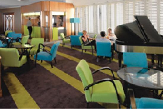 Vibe Hotel Gold Coast - Curve Bar