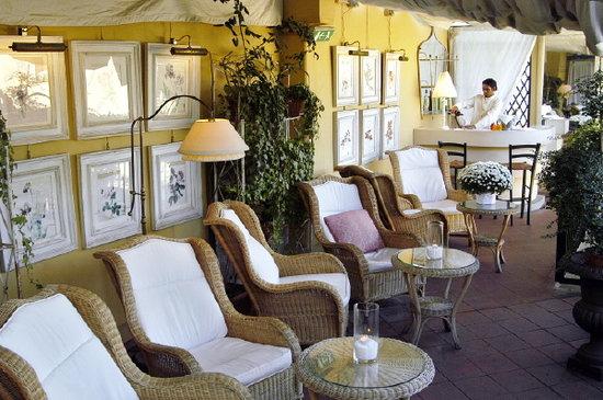 Hotel Cellai: Rilassatevi e godetevi il panorama sulla nostra terrazza.
