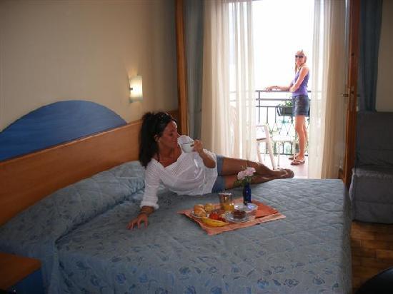 Hotel Smeraldo: Camera Matrimoniale con Vista Lago