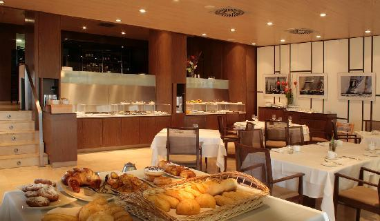Hotel Neptuno: Breakfast room