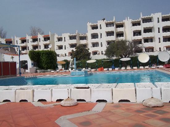 Entrada picture of albufeira jardim apartamentos for Albufeira jardin