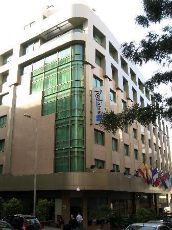 Radisson Blu Martinez Hotel, Beirut: Exterior of hotel
