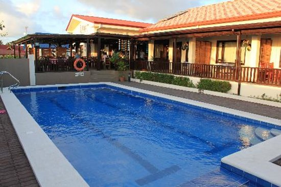 Santa Ana, Filipinas: Pool....