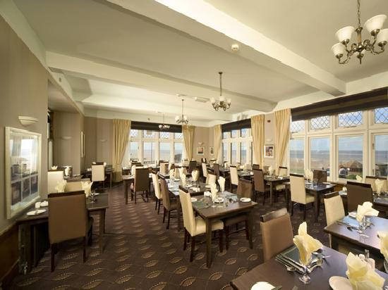 The Golden Lion Hotel: Dining Room of the Coast & Country Golden Lion Hotel