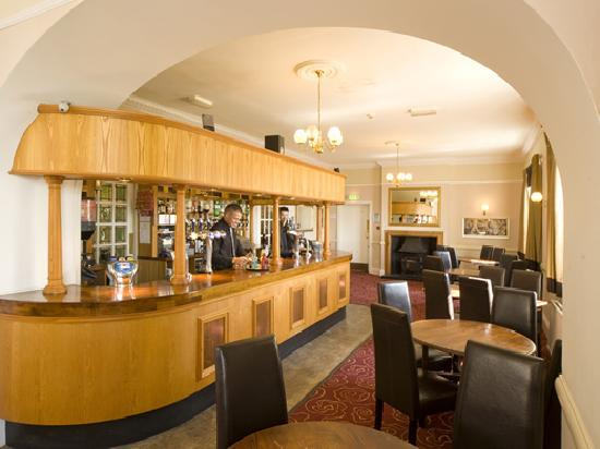 The Golden Lion Hotel: Bar at the Coast & Country Golden Lion Hotel