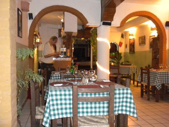 Inside Boccon di Vino