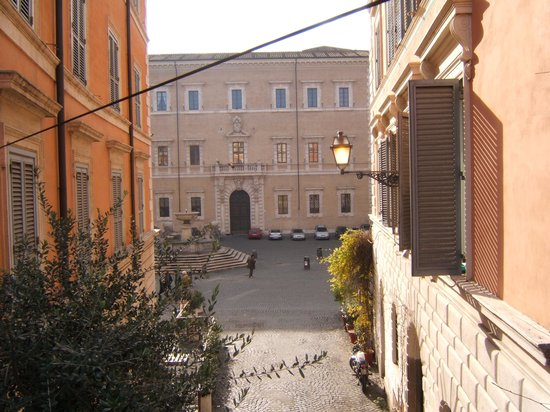Villa della Fonte Guest House: Terrazza che affaccia sulla bellissima Piazza S.Maria in Trastevere