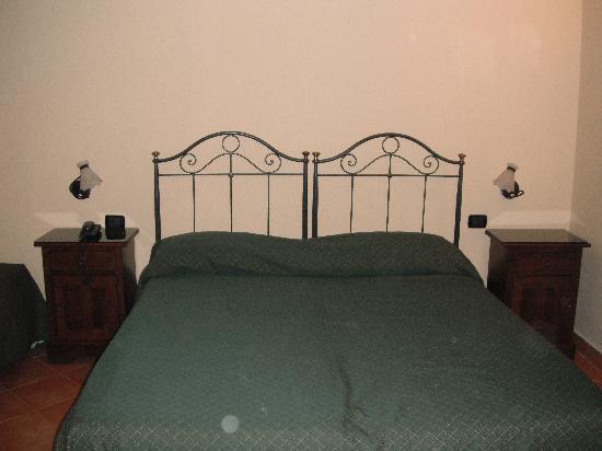 Neapolis Hotel: The basic beds