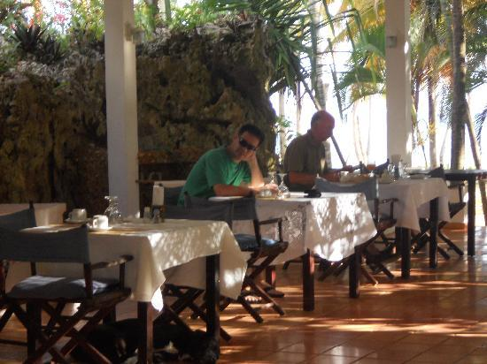 Hotel Todoblanco : desayunador