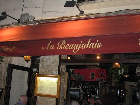 Au Beaujolais: The front
