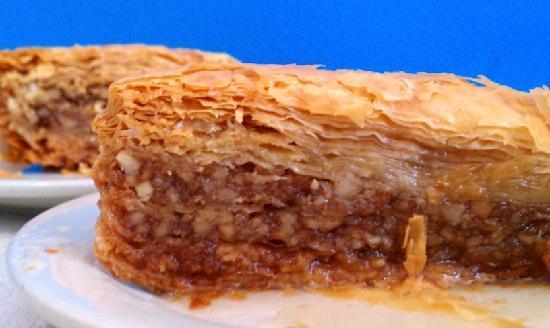 Olympic Flame Restaurant: Baklava Greek dessert