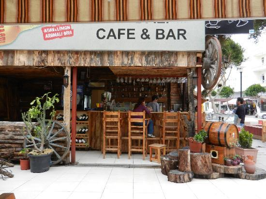 Belek, Turkey: tolle Bar in einer Nebenstraße