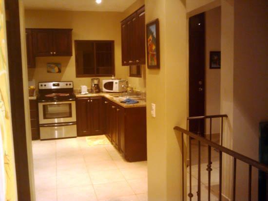 Casa Kalani : kitchen