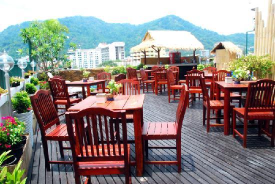 Palm Beach Hotel Phuket: Sky Garden
