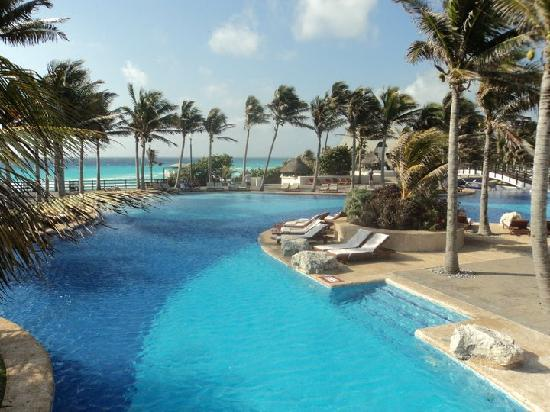 Pool Area Picture Of Grand Oasis Cancun Cancun