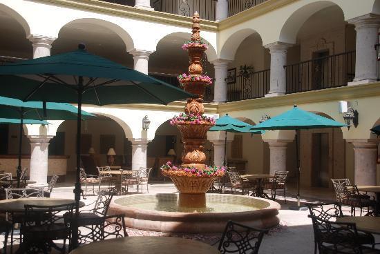 Estrella Del Mar Resort Mazatlan: Courtyard