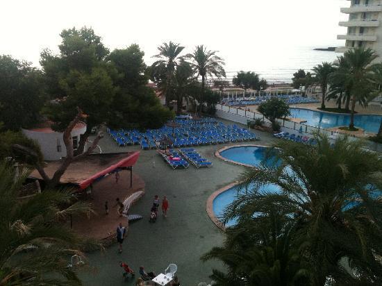 Hotel Palia Sa Coma Playa: View from room