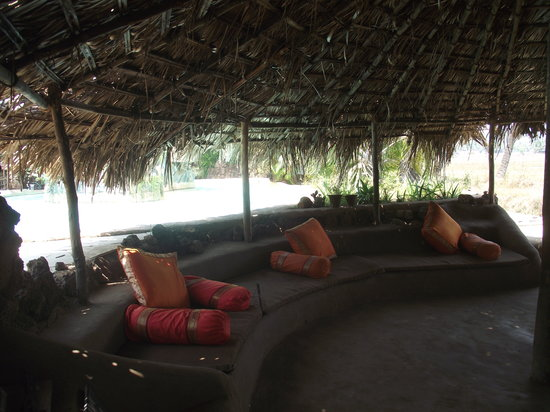 Anjuna, Indien: Chill area by pool