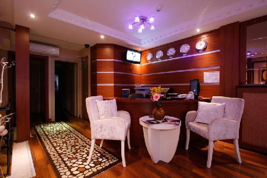 Q Hotel Istanbul Lobby