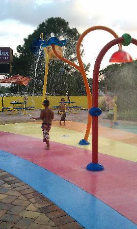 Clarion Inn Lake Buena Vista: kids play area