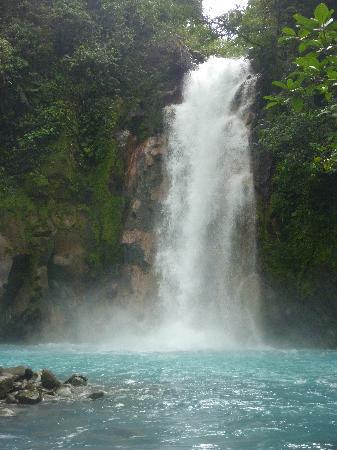 Bijagua de Upala, Costa Rica: Falls on Rio Celeste.
