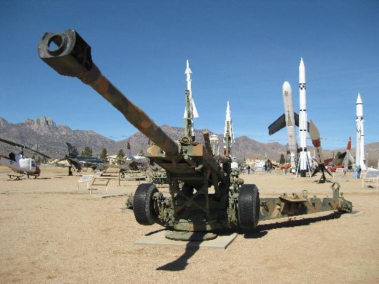 White Sands Missle Range Museum: 155m howitzer .. ..