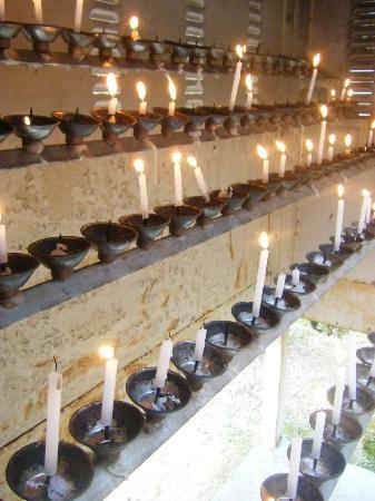 Okuboji Temple: 灯り