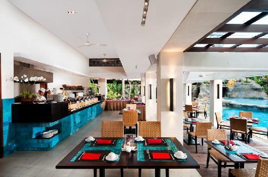 Padma Resort Legian: Barong Cafe and Lounge