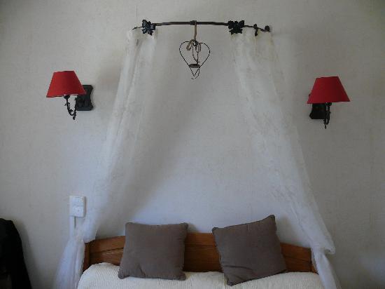 Hotel Saint Cyr : chambre romantique