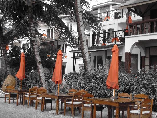 Sunset at Aninuan Beach Resort: aninuan