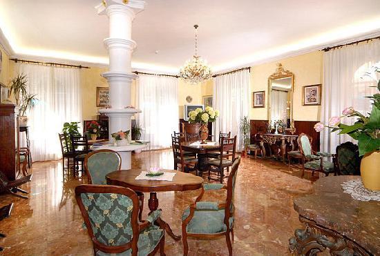Hotel Palace: salotto