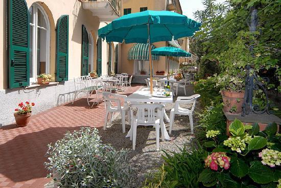 Hotel Palace: giardino
