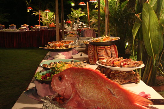 Zeroseamile Club Hoi An : Buffet at Zero Seamile Club
