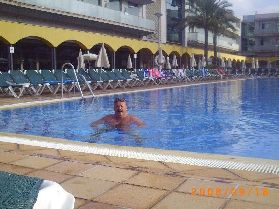 Hotel Mediterraneo Benidorm : het zwembab