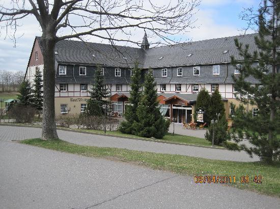 Panorama Berghotel Wettiner Hoehe: Hotelansicht